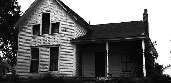 house-bw-585x283